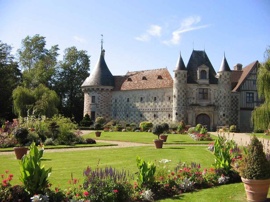 Chateau Saint-Germain-de-Livet - quite a good match, slightly distracted by the lovely garden