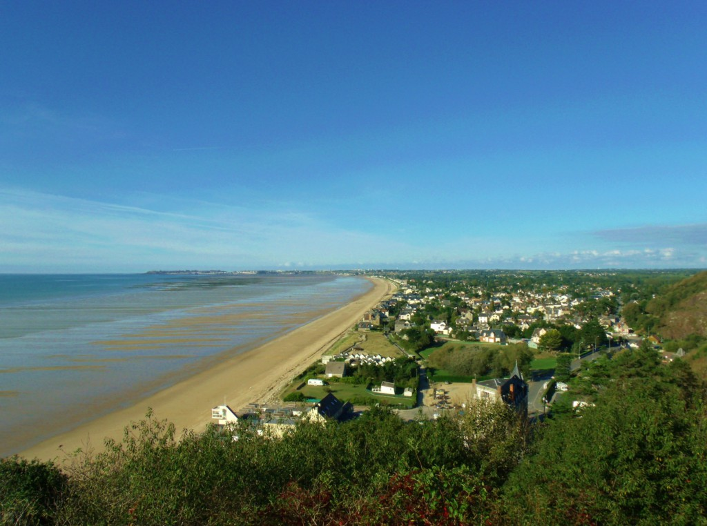 After taking our match we turned around and saw this view of Carolles-Plage!