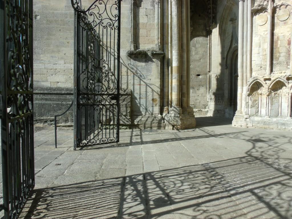 Entrance Basilique Cathédrale Notre-Dame de Sées