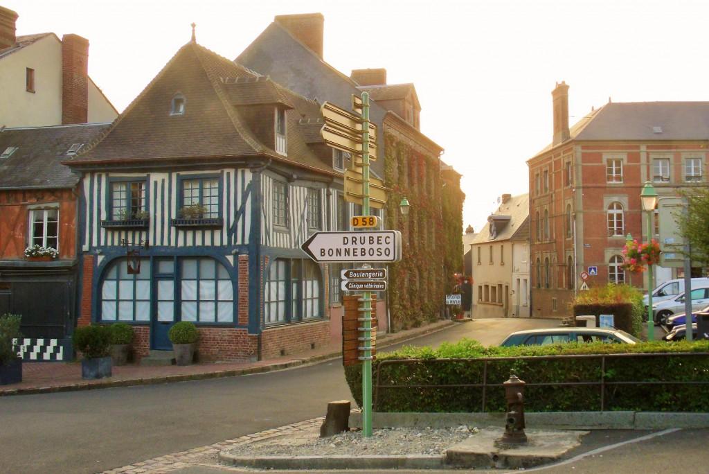 The optimistically names Rue de Paradis