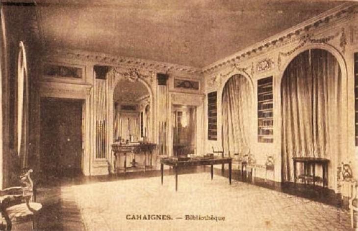 Amazing new Cahaignes postcard match! Château interior…