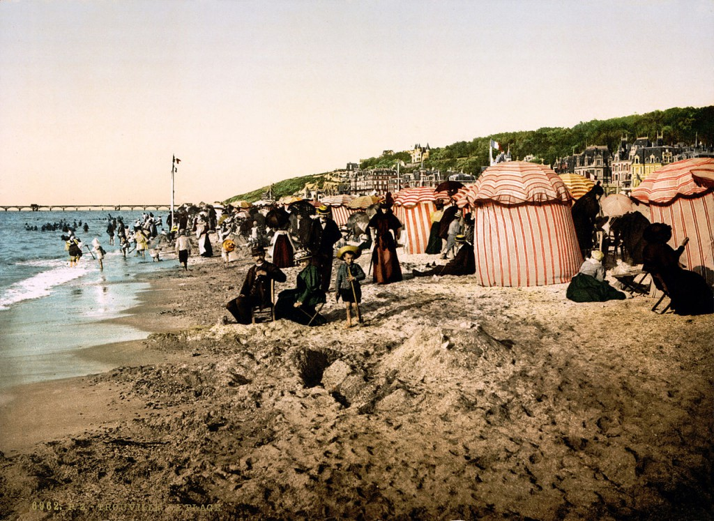 Trouville beach at bathing time