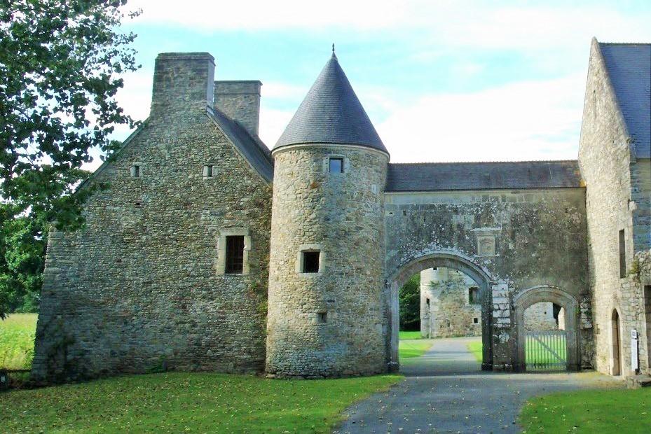 Château de Montfort match