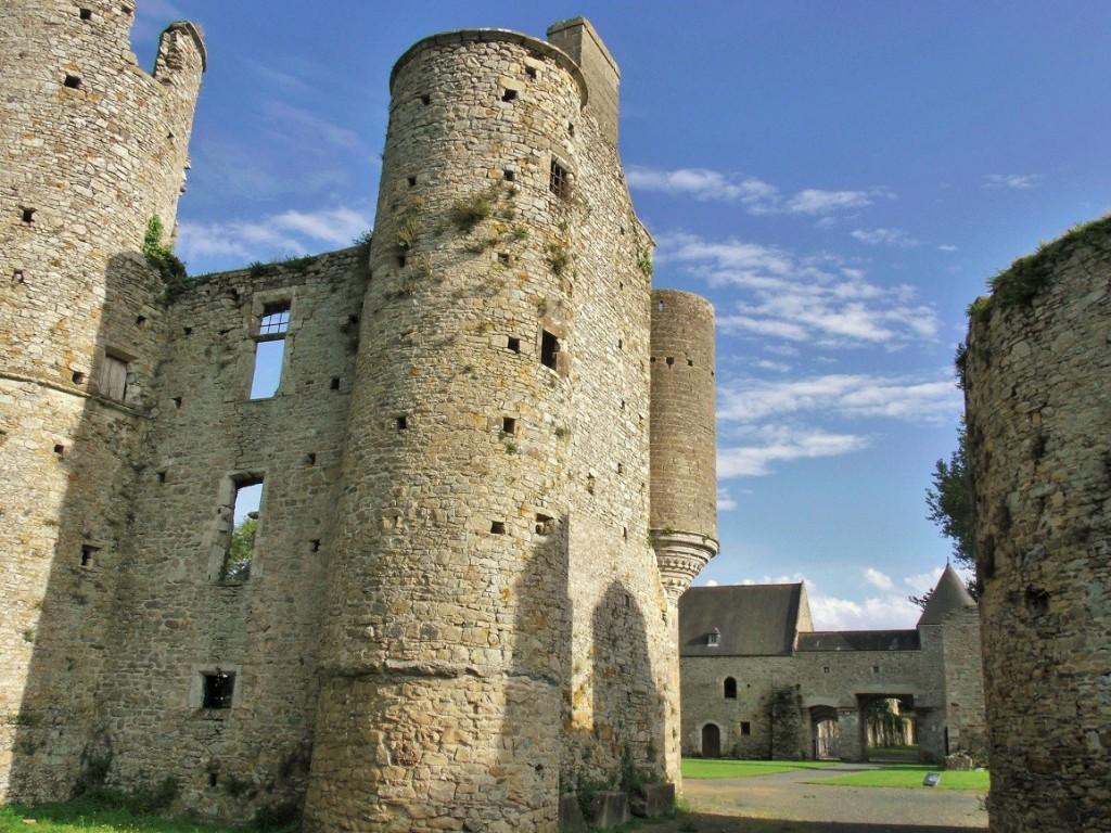 The ruins of Château de Montfort at Remilly-sur-Lozon, Normandy