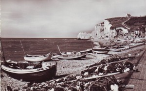 The curious incident of the poet in the sea, at Étretat