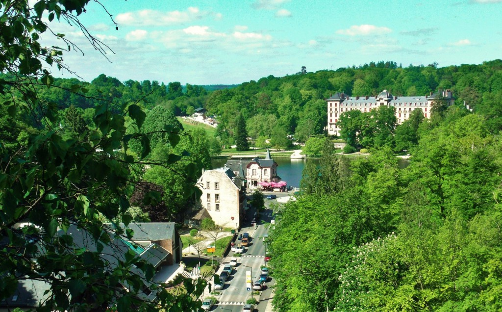 Match! There is an amazing view point above Le Roc au Chiens in the woods off Boulevard des Andaines