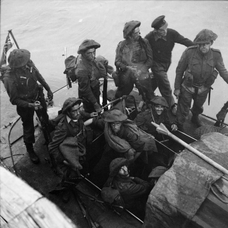 No. 3 Commando returning to Newhaven after Dieppe raid, August 1942.  No. 3 Commando men who unlike No. 4 Commando wore steel helmets during the raid.