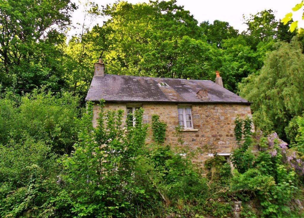 Abandoned cottage in the Orne Normandy by La Varenne