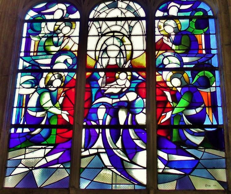 Windows Église Saint Jean, Caen, made by Danièle Perre