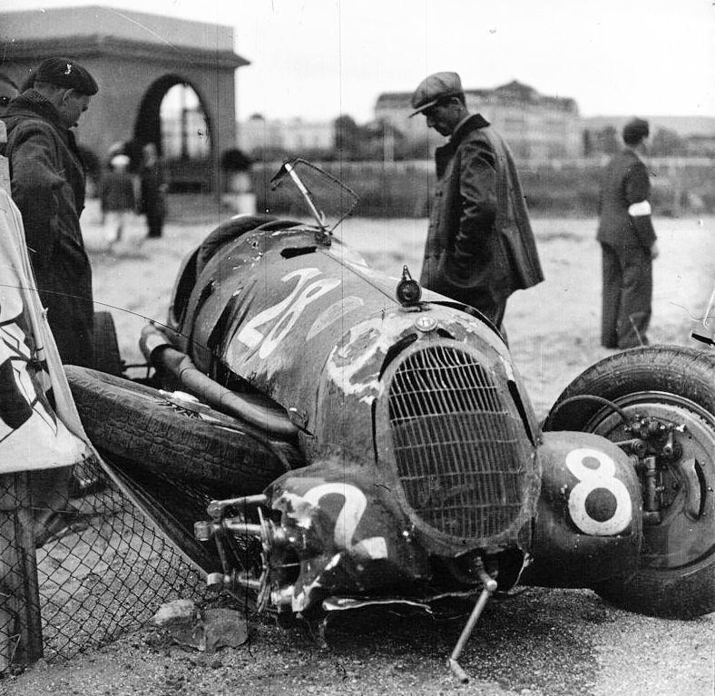 Giuseppe Farina's damaged racecar at the 1936 Deauville Grand Prix