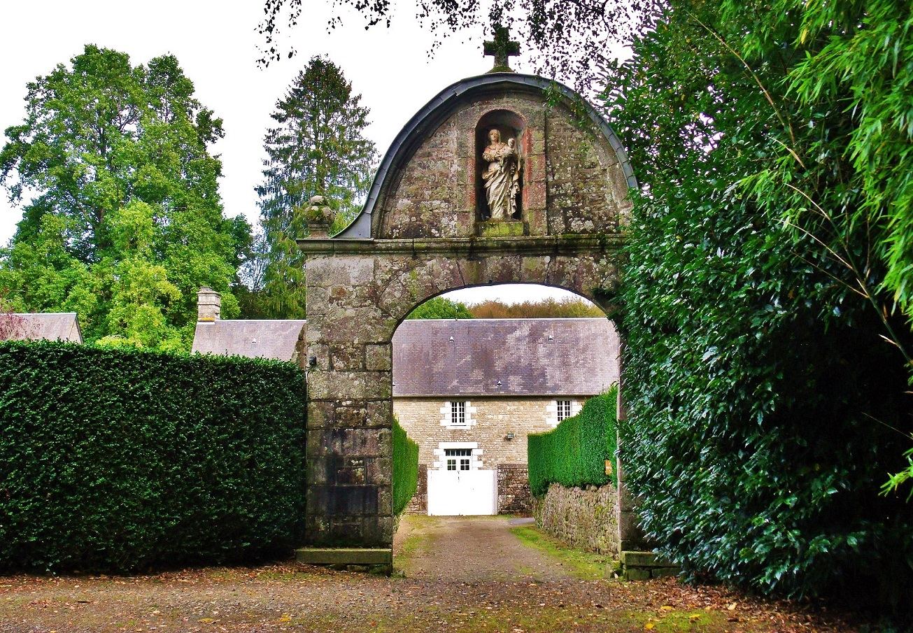Entrance to the hermitage Saint-Sever forest, Calvados - Match!