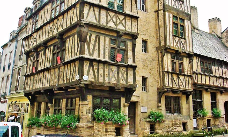 43 Rue St, Martin, Bayeux
