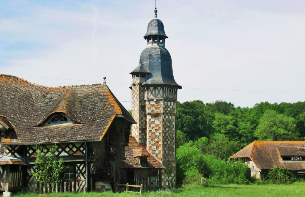 Le Val Gallerand, the grain store