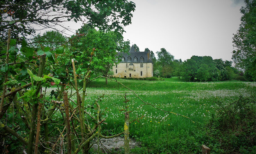Manoir d'Argentelles across Orne meadows