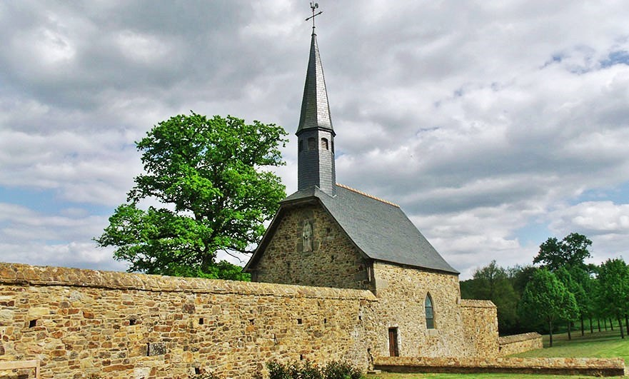 St Anne chapel, linked to La Chaslerie manor by a defensive wall