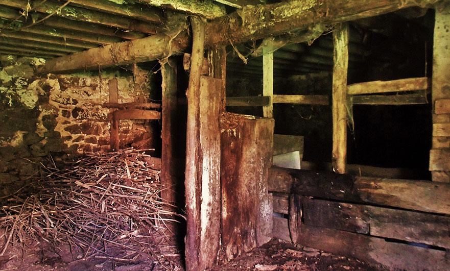 orne-abandoned-farm-16