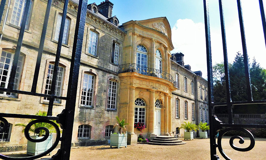 Front entrance of L'hôtel de Beaumont, in Valognes