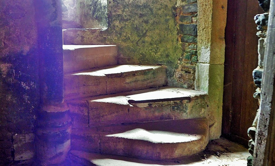restored-staircase-chateau-de-gratot-normandy