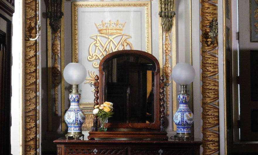 chateau-d-eu-seine-maritime-interior-with-mirror