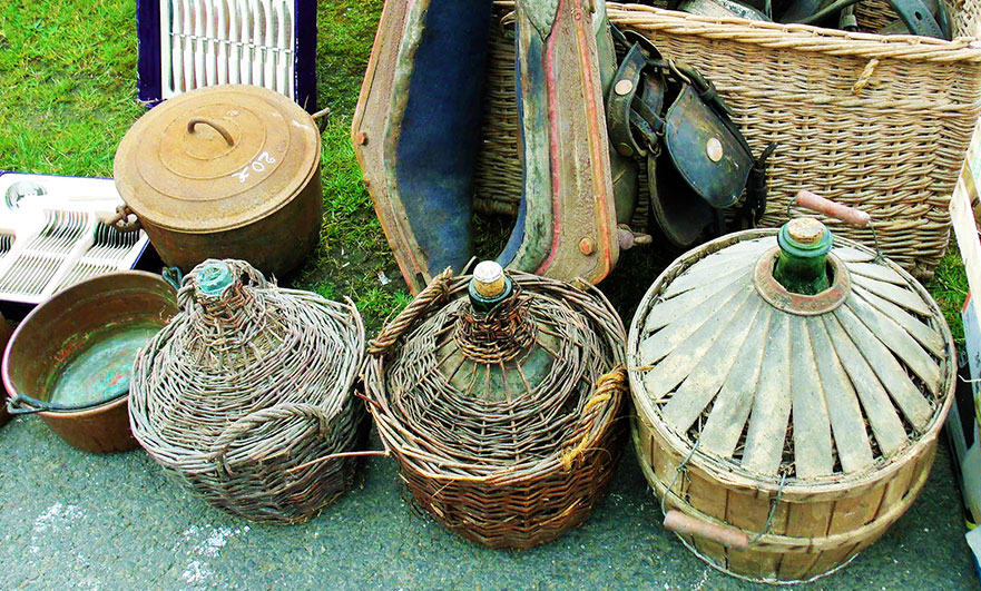 La foire des Andaines brocante walk through the forest, in May 2017