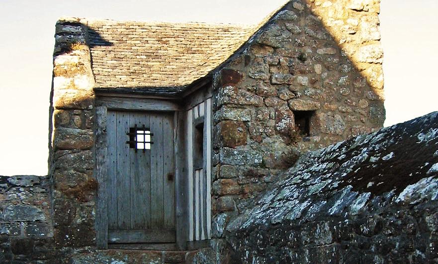 mont-saint-michel-doors-1