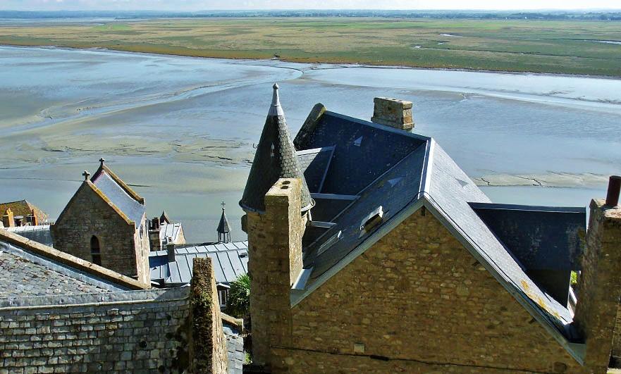 mont-saint-michel-roofs