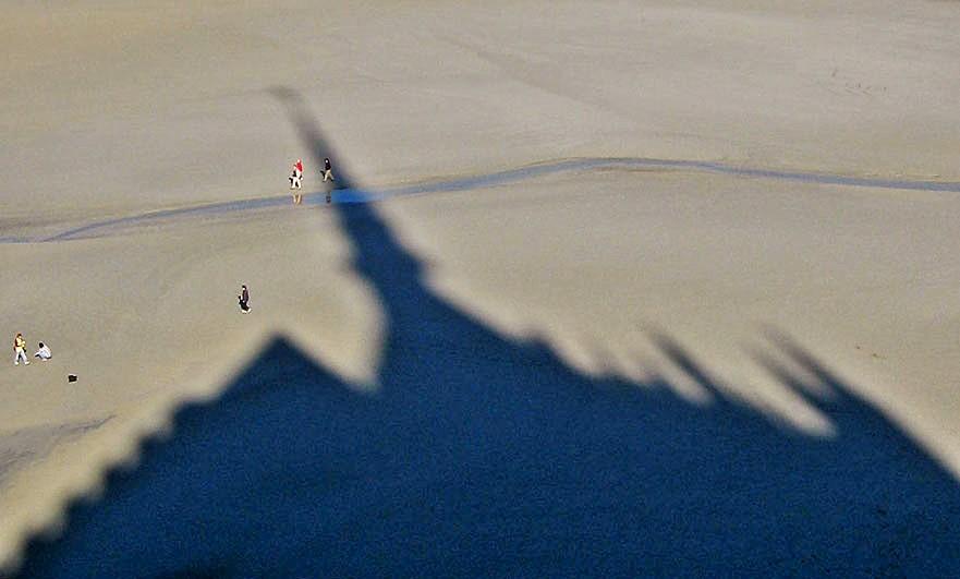 mont-saint-michel-shadow