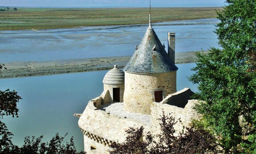 mont-saint-michel-tiny-tour