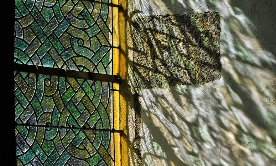 stained-glass-eglise-d-notre-dame-breville-sur-mer