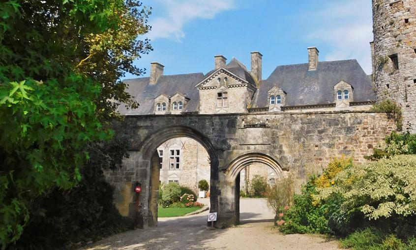 Château de Crosville-sur-Douve - match!