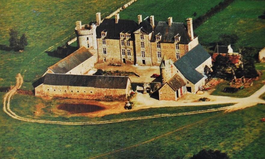 Postcard of Le château de Crosville-sur-Douve from above - hard to match!