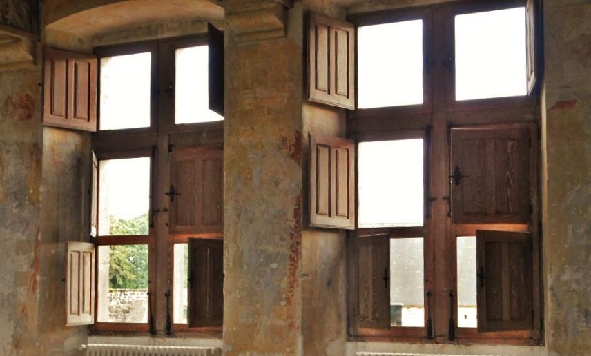 Chateau-de-Crosville-interior-shutters