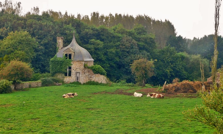 Chateau-de-Crosville-pavillion