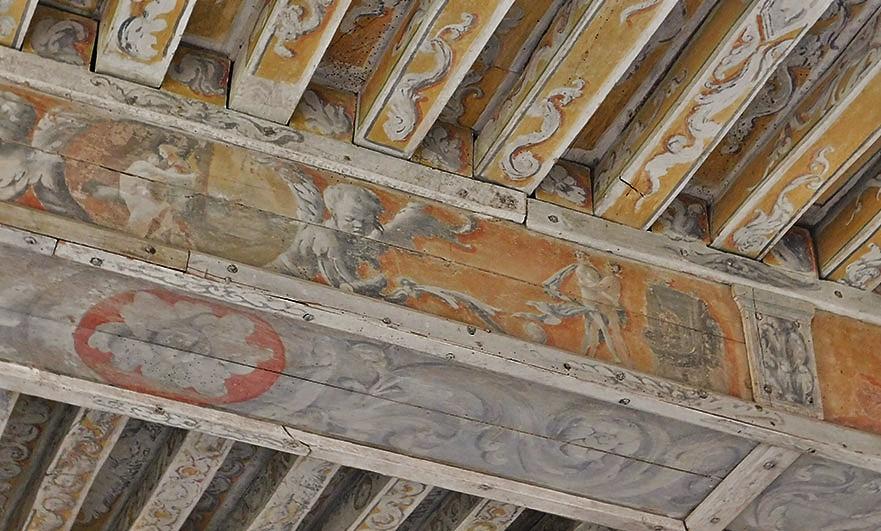Chateau-de-Crosville-remarkable-ancient-painted-beams