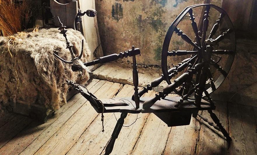 Chateau-de-Crosville-spinning-wheel