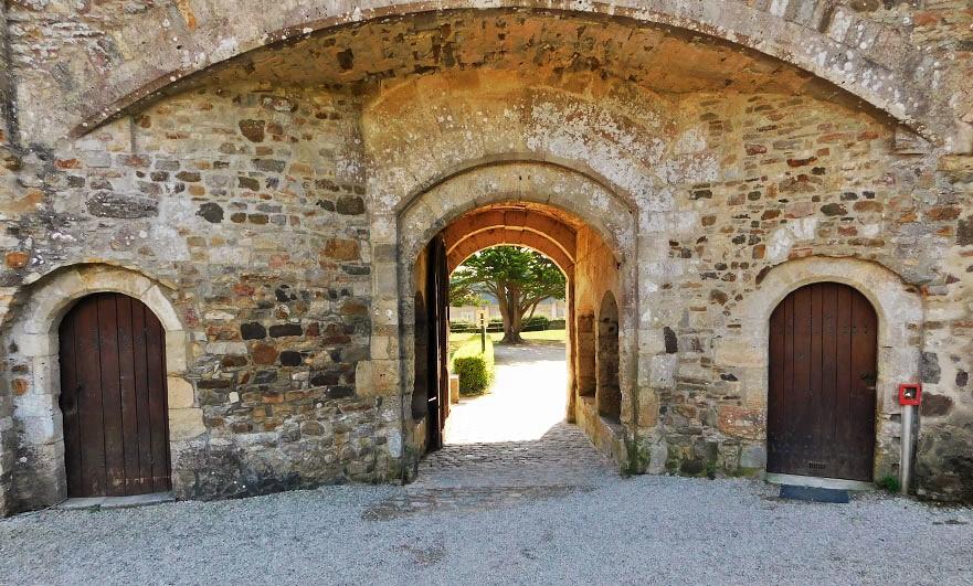 Chateau-de-Saint-Sauveur-le-Vicomte-entrance