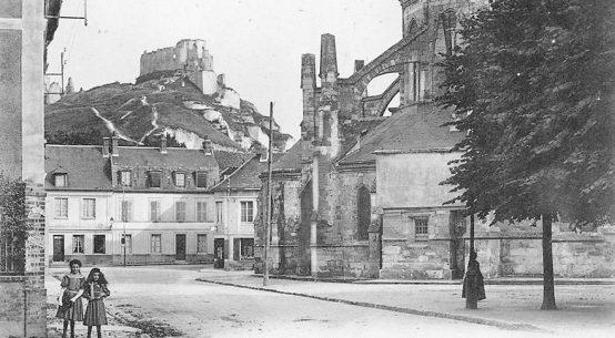Le-Petit-Andelys-postcard