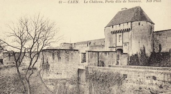 Port de Secours at the old chateau in Caen