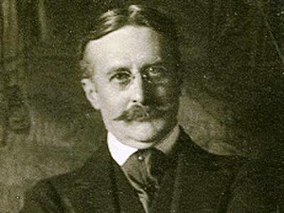 https://commons.wikimedia.org/wiki/File:Harry_Gordon_Selfridge_circa_1910.jpg