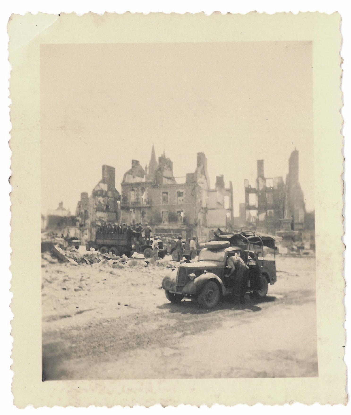 Saint-Hilaire-du-Harcouët ruins 1944