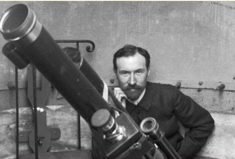 Lucien Rudaux, astronomer artist in his observatory at Donville-les-Bains