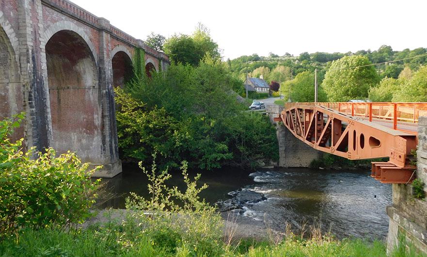 The whale bridge of Les Bordeaux