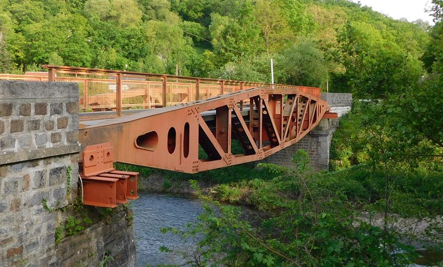 Les Bordeaux bridge over the Noireau river