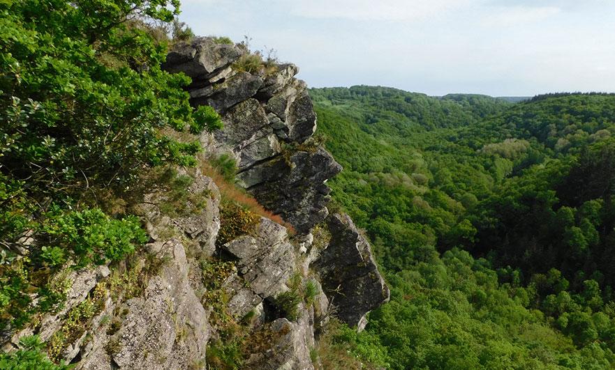 Roche d'Oëtre cliff face